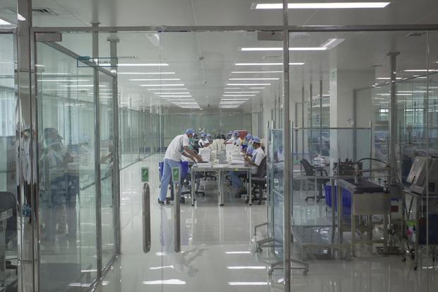 Suasana fasilitas produksi vaksin COVID-19, di kantor Bio Farma, Bandung, Jawa Barat, Selasa (4/8/2020).