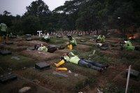 Angka Kematian Covid-19 Bertambah, Lahan Pemakaman Semakin Berkurang