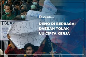 Demo di Berbagai Daerah Tolak UU Cipta Kerja