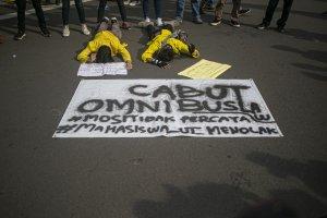 Aksi Tolak Omnibus Law