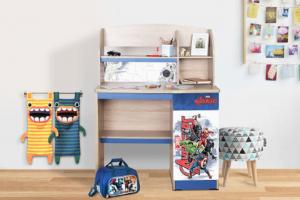 Ilustrasi produk meja belajar Olympic Furnitur, brand yang sudah berdiri 35 tahun di industri furnitur rumah.