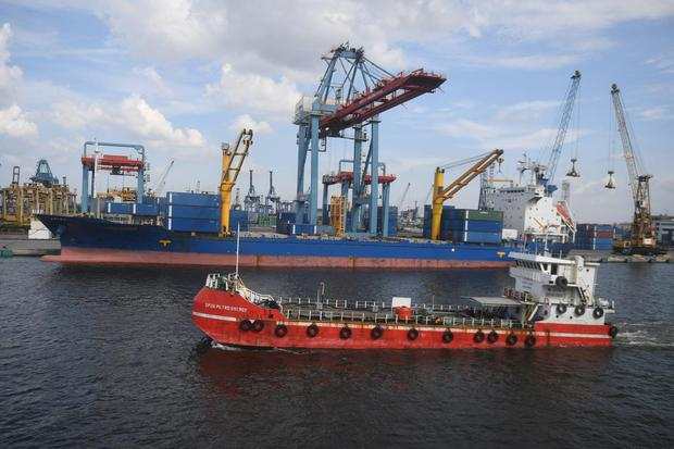 Luhut Binsar Pandjaitan, Pelabuhan, Pelabuhan Patimban, Infrastruktur, Kementerian Perhubungan, ASEAN, Daya Saing.