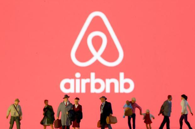 airbnb, travel blogger, influencer,