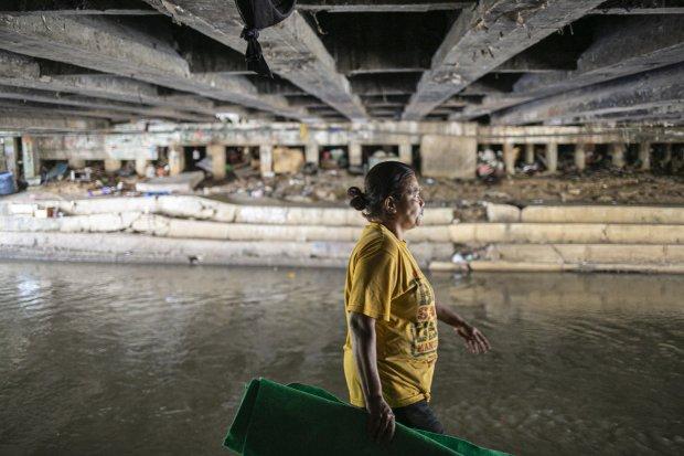 Pembongkaran Bangunan Liar di Kolong Jembatan