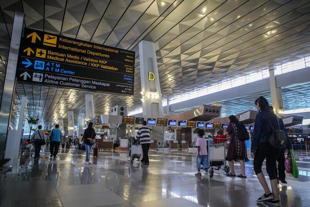 bandara, Soekarno-Hatta, penumpang, penumpang pesawat