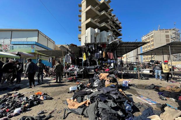 Thaier al-Sudani Lokasi serangan bom bunuh diri di pusat pasar di Baghdad, Irak, Kamis (21/1/2021).