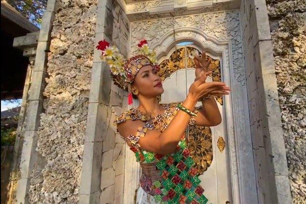 Putu Evi Suyadnyani - Founder Sanggar Mekar Bhuana atau Peserta Program Creative Youth at Indonesia's Heritage Sites