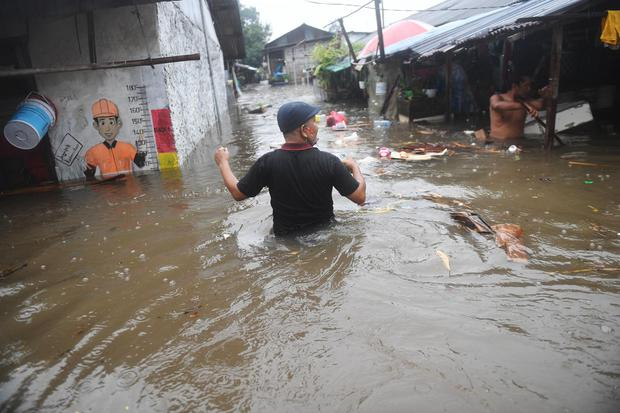 BANJIR RENDAM SEJUMLAH LOKASI DI JAKARTA