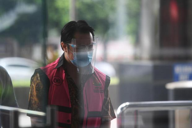 Tersangka kasus dugaan korupsi Asabri Jimmy Sutopo tiba untuk menjalani pemeriksaan di gedung KPK, Jakarta, Kamis (18/3/2021). Jimmy diperiksa dalam kasus dugaan korupsi pengelolaan dana investasi PT Asabri (Persero) periode 2012-2019.