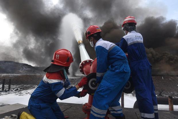 Menteri ESDM Pastikan Api di Kilang Balongan Sudah Padam