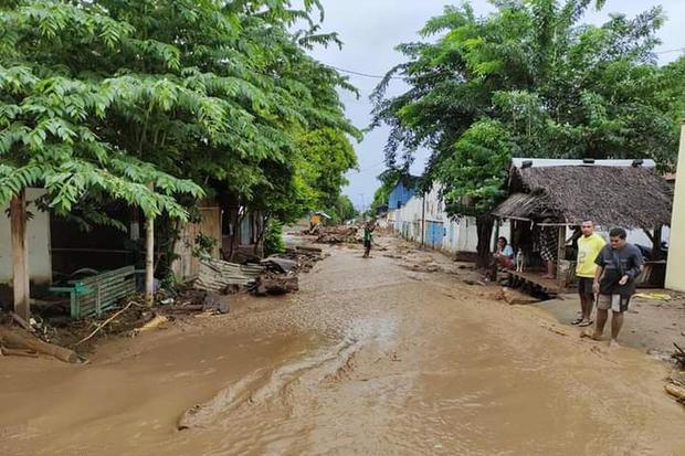 Badai siklon tropis Seroja, NTT, banjir, listrik