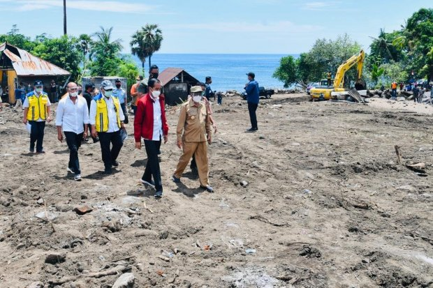 Jokowi meninjau Lembata