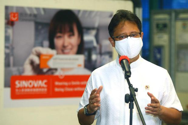 Menteri Kesehatan Budi Gunadi Sadikin mengatakan, pandemi virus corona Covid-19 tak akan berakhir dalam waktu singkat. Atas dasar itu, Budi menilai lebih penting mengendalikan pandemi corona ketimbang menghilangkannya. ANTARA/Muhammad Iqbal/aww.
