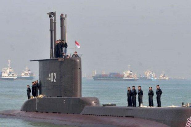 Kapal selam TNI AL Nanggala hilang di perairan utara Bali, Rabu (21/4).