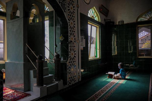 Kumpulan kata mutiara islami yang disarikan dari kutipan ayat , hadis hingga nasihat ulama untuk pelecut semangat kehidupan
