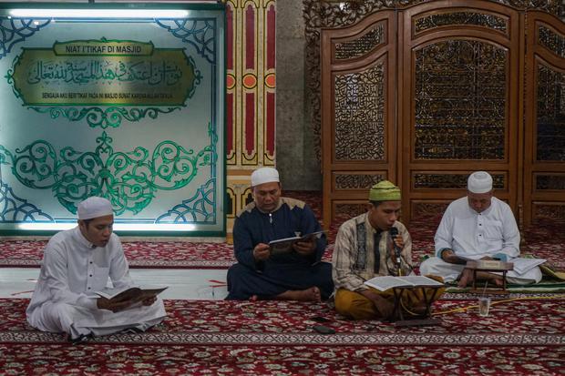Tata Cara dan Bacaan Doa Tahlil Beserta Artinya