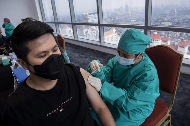 Vaksin Sinovac Efektif Melindungi Tenaga Kesehatan RI dari Covid-19