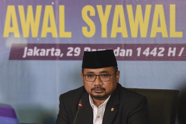 Menteri Agama Yaqut Cholil Qoumas menggelar konferensi pers hasil Sidang Isbat 1 Syawal 1442 H di Kementerian Agama, Jakarta, Rabu (11/5/2021). Pada Sidang Isbat tersebut ditetapkan 1 Syawal 1442 H atau Hari Raya Idul Fitri 1442 pada 13 Mei 2021.