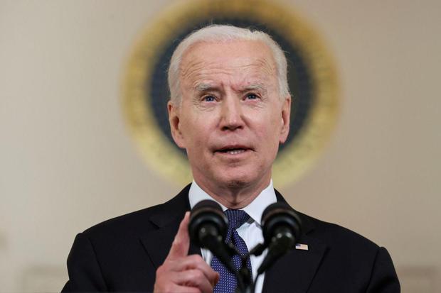 Jonathan Ernst Presiden AS Joe Biden menyampaikan pernyataan sebelum gencatan senjata yang disepakati oleh Israel dan Hamas akan mulai berlaku, selama penampilan singkat di Cross Hall di Gedung Putih di Washington, AS, Kamis (20/5/2021).