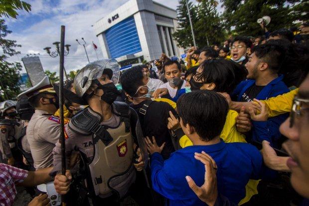polisi, mahasiswa, kekerasan