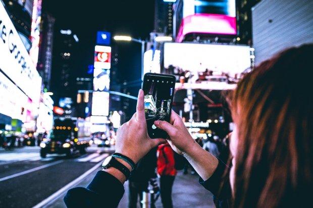 Ilustrasi cara download instastory agar bisa memiliki gambar atau video dari unggahan instastory yang hanya memiliki durasi 24 jam