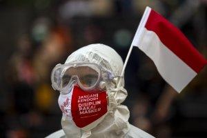 Hazmat Tenaga Kesehatan Kasus Covid-19 Indonesia