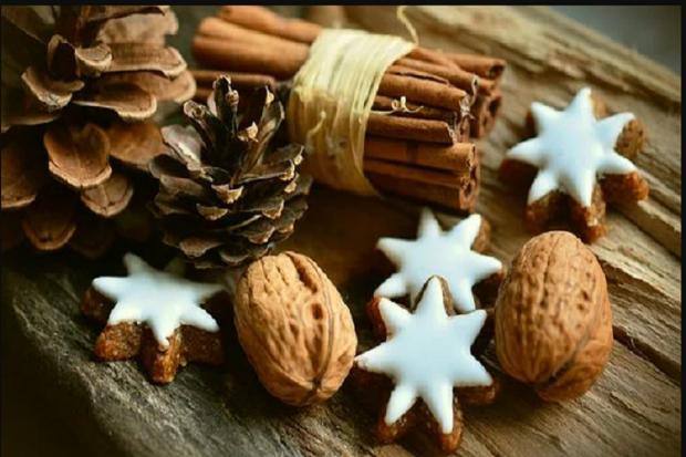 Ilustrasi manfaat kayu manis dalam masakan kue