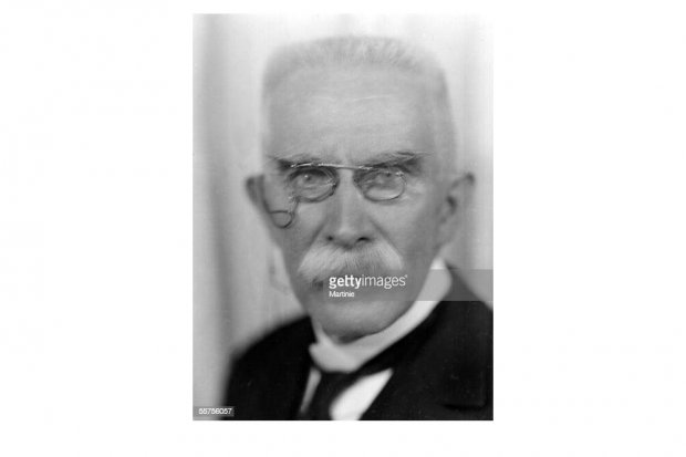Henry Louis Le Chatelier ( 1850-1936 ), sang kimiawan dan penemu konsep kesetimbangan kimia asal Prancis