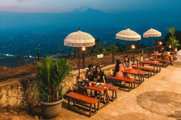 Pemandangan indah dari HeHa Sky View yang merupakan salah satu tempat nongkrong di Jogja