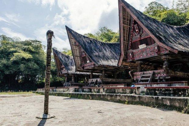 Rumah Bolon, rumah adat Sumatera Utara