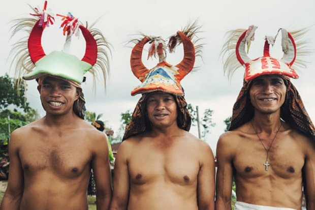 Peserta Tari Adat Nusa Tenggara Timur