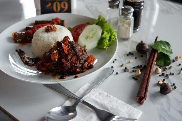 Makanan Khas Sumatera Barat, Makanan Khas Sumatra Barat, masakan padang, makanan padang, minuman padang, kuliner sumatera barat