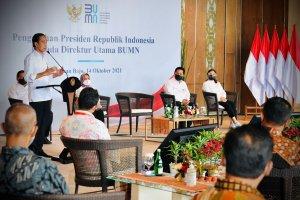 Pengarahan Presiden Joko Widodo kepada para direktur utama BUMN, di Ballroom Hotel Meruorah Komodo, Kabupaten Manggarai Barat, Nusa Tenggara Timur