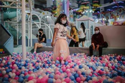 Wahana Permainan Anank-anak di Pusat Perbelanjaan Kembali Dibuka
