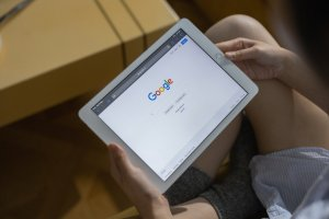 Tampilan Google pada tablet.