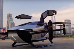 Mobil terbang buatan perusahaan Cina
