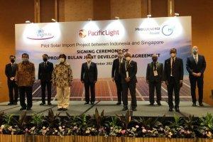 Penandatanganan pembelian listrik 100 MW dari Pulau Bulan ke Singapura