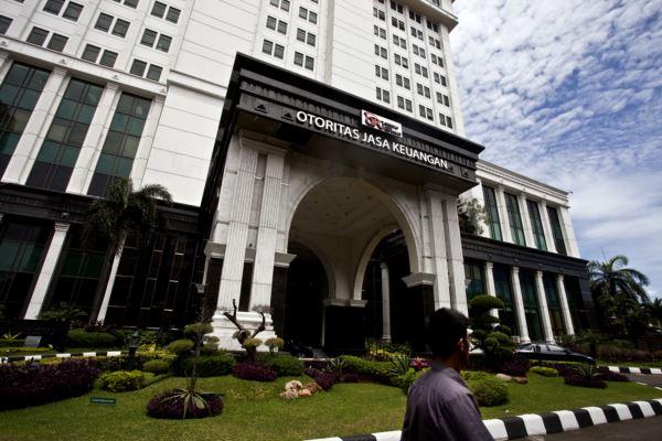 otoritas-jasa-keuangan-indonesia-2014-2.jpg