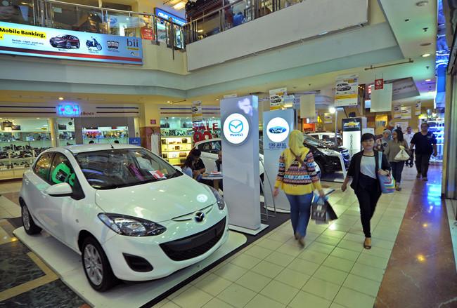 Fitch: Penjualan Otomotif Akan Stabil Meski Harga BBM Naik ...