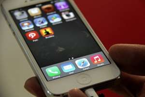 perangkat-seluler-apple-iphone.jpg