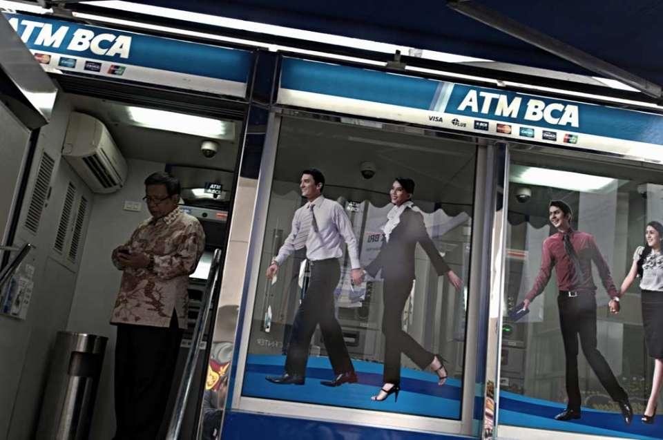 bca akuisisi bank, bank royal, bca, jahja setiaatmadja